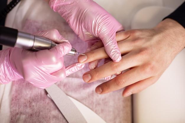 Close-up di un manicure archivio persona nails in salon