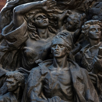 Close-up di varsavia ghetto rivolta sculture di nathan rapoport, gerusalemme, israele