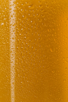 Close-up gustosa birra in vetro trasparente