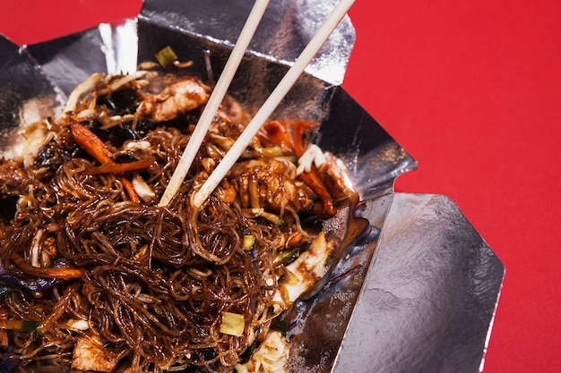 Close-up soba in scatola