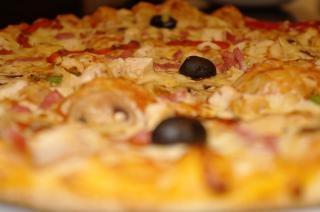 Closeup pizza, zoom