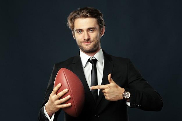Coach, business, sport su fondo nero