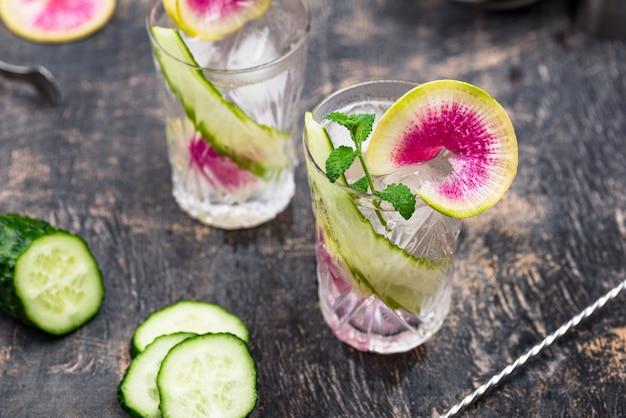 Cocktail con cetriolo e ravanello