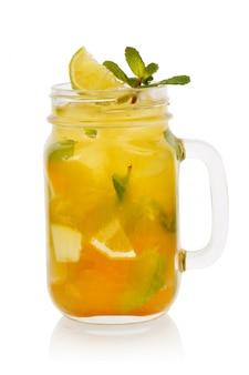 Cocktail di agrumi alla menta