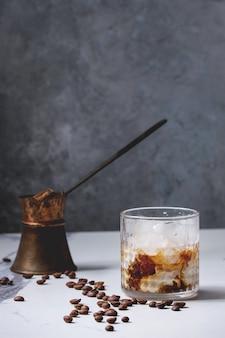 Cocktail di caffè ghiacciato