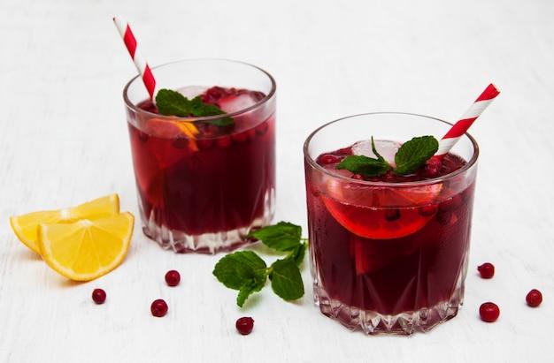 Cocktail di mirtilli con menta