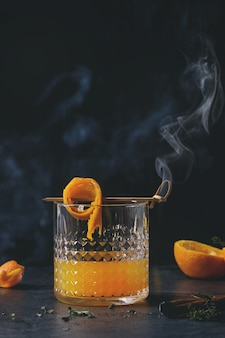 Cocktail di whisky arancione