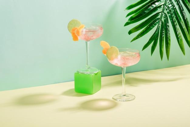 Cocktail margarita con cubetti di ghiaccio