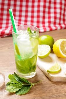 Cocktail mojito gustoso