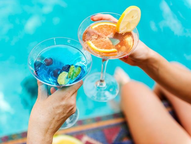 Cocktail party presso la piscina