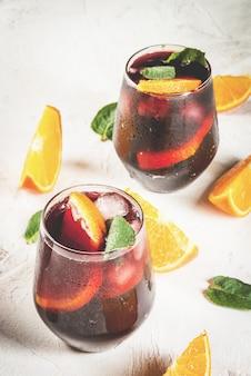 Cocktail spagnolo tradizionale tinto de verano