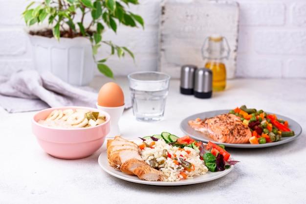 Colazione pranzo e cena. menu del giorno