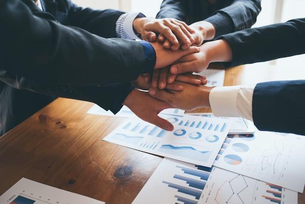 Collaborazione commerciale in ufficio
