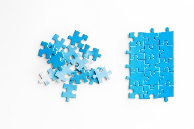 Collegamento pezzo di puzzle, affari, successo e strategia, educazione, società e tè