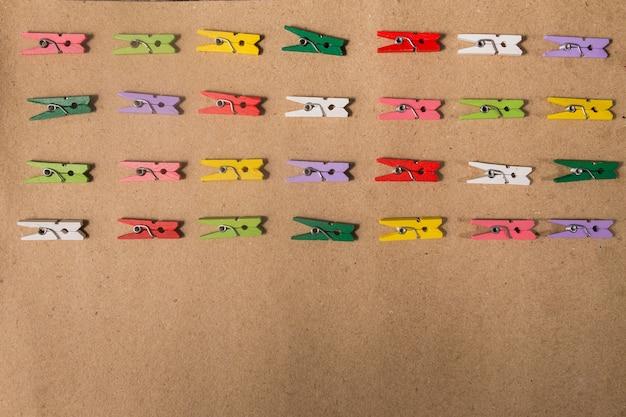 Collezione di graffette colorate piatte lay stile