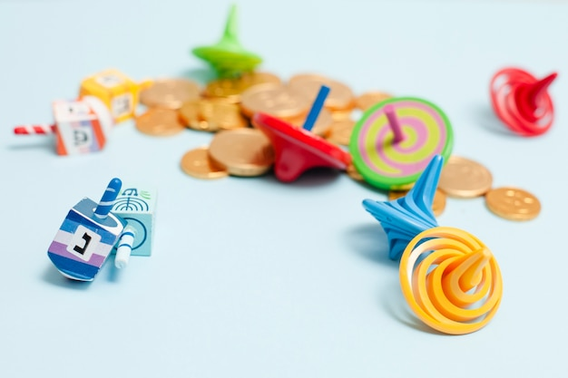 Collezione di hanukkah close-up di dreidel