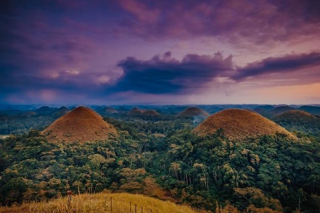 Colline del cioccolato dell'isola delle filippine di bohol