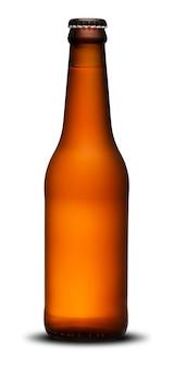 Collo lungo di bottiglie di birra da 300 ml a secco su sfondo bianco. ipa.
