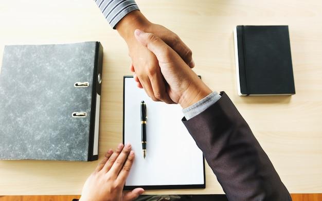 Colloquio di lavoro con il responsabile delle risorse umane in ufficio