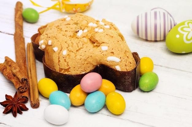 Colomba pasquale con uova chosolate