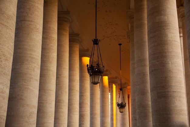 Colonnati di piazza san pietro, roma