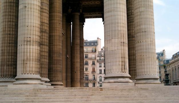 Colonne del patheon a parigi francia