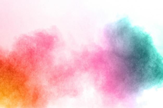 Colore astratto fumo su sfondo bianco. colore astratto nuvole di fumo.