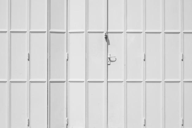 Colore bianco e grigio della porta, sfondo modello astratto