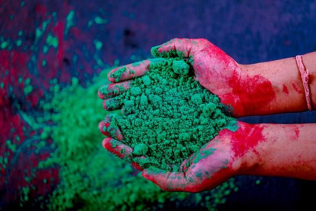Colore in mano, indian festival holi