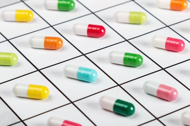 Colori della pillola nel programma di assunzione di medicinali