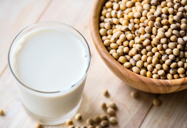 Colpo a macroistruzione della bevanda nutrizionale fresca
