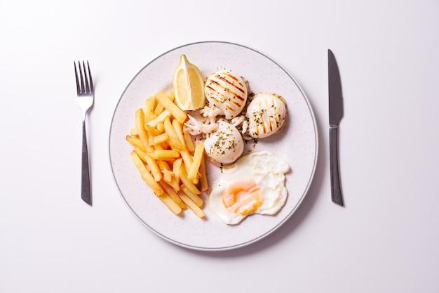 Colpo ambientale della zolla con alimento