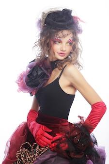 Colpo di moda di donna in stile bambola. trucco creativo fantasia dr