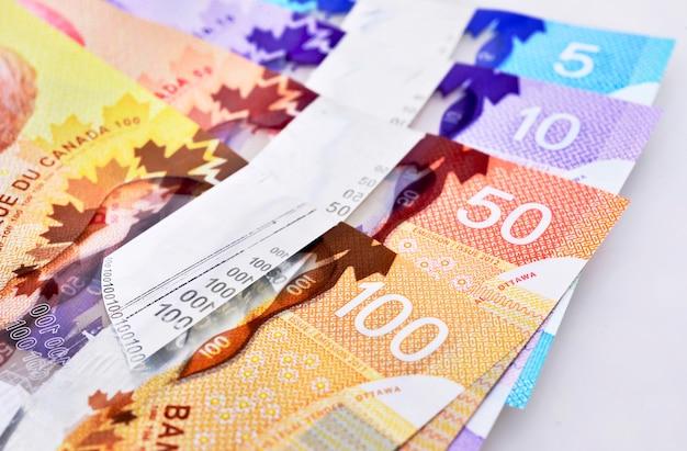 Colpo di sfondo delle banconote canadesi