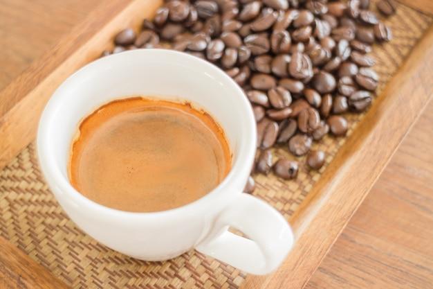Colpo perfetto di caffè caldo