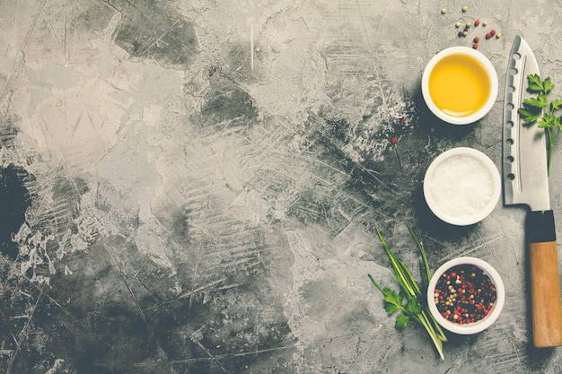 Coltello da cucina e spezie