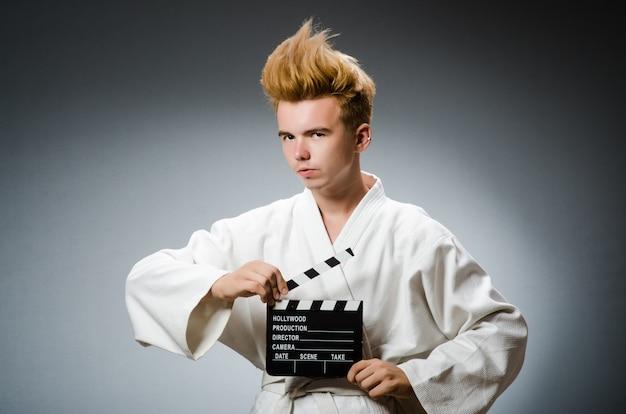 Combattente di karate divertente