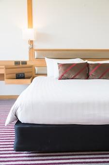 Comodo cuscino sul letto