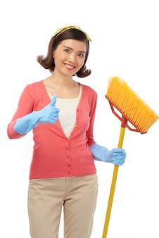 Completamento di pulizie di primavera produttive
