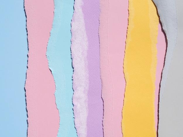 Composizione astratta colorata con documenti