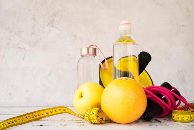 Composizione colorata con cibo sano