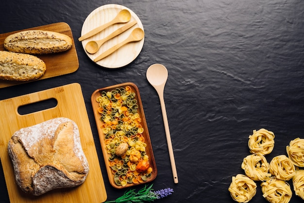Composizione culinaria creativa italiana