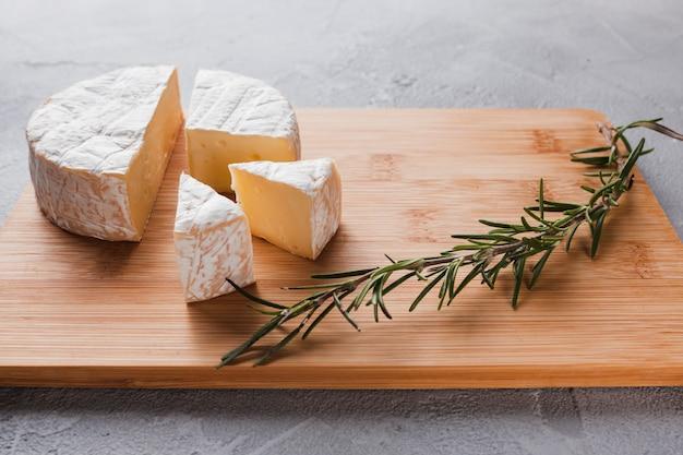 Composizione del formaggio camembert