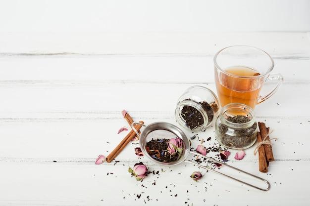 Composizione del tè con copyspace