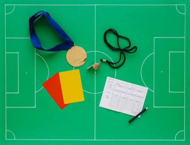 Composizione di calcio con il concetto di arbitro