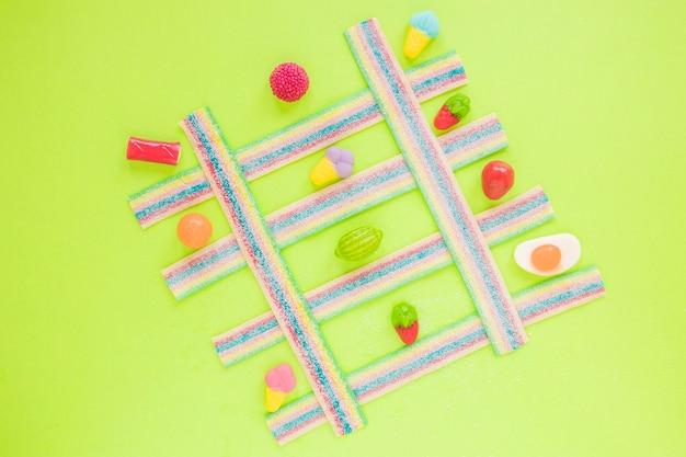 Composizione di caramelle in reticolo