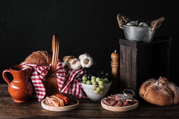 Composizione di cibo gustoso assortito