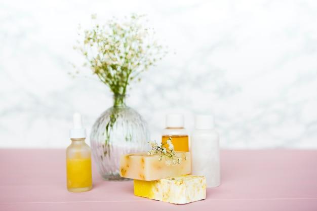 Composizione di oggetti da bagno o spa
