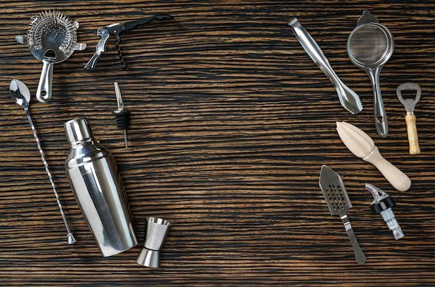 Composizione di strumenti per cocktail