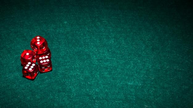 Composizione moderna di carte da poker